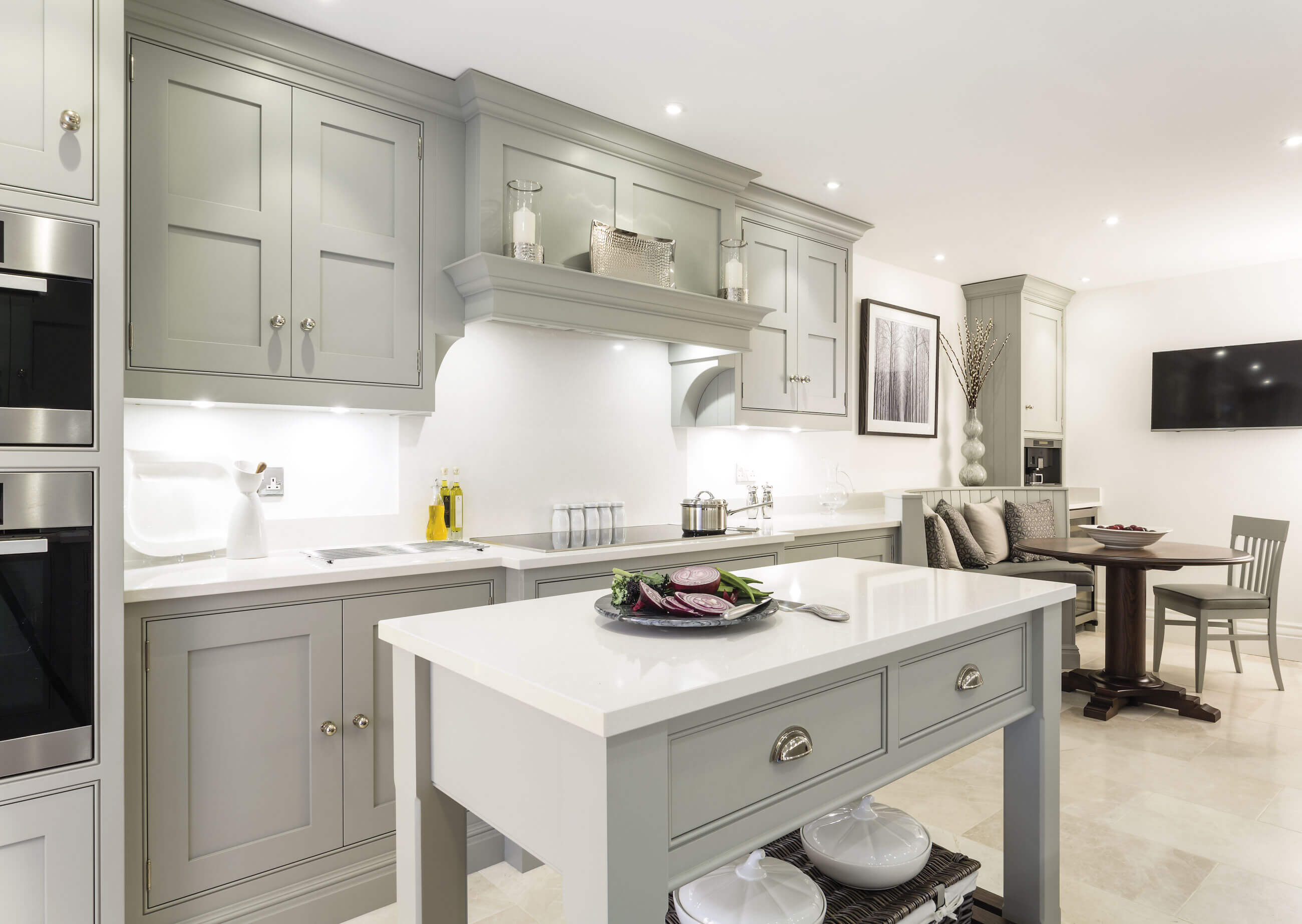 Kitchen diner design tom howley for Family kitchen design