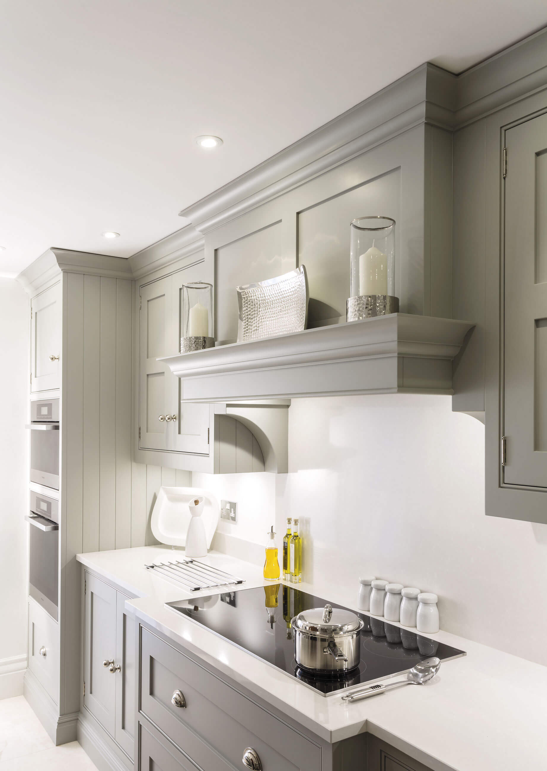 Kitchen diner design tom howley for Shaker style kitchen hoods