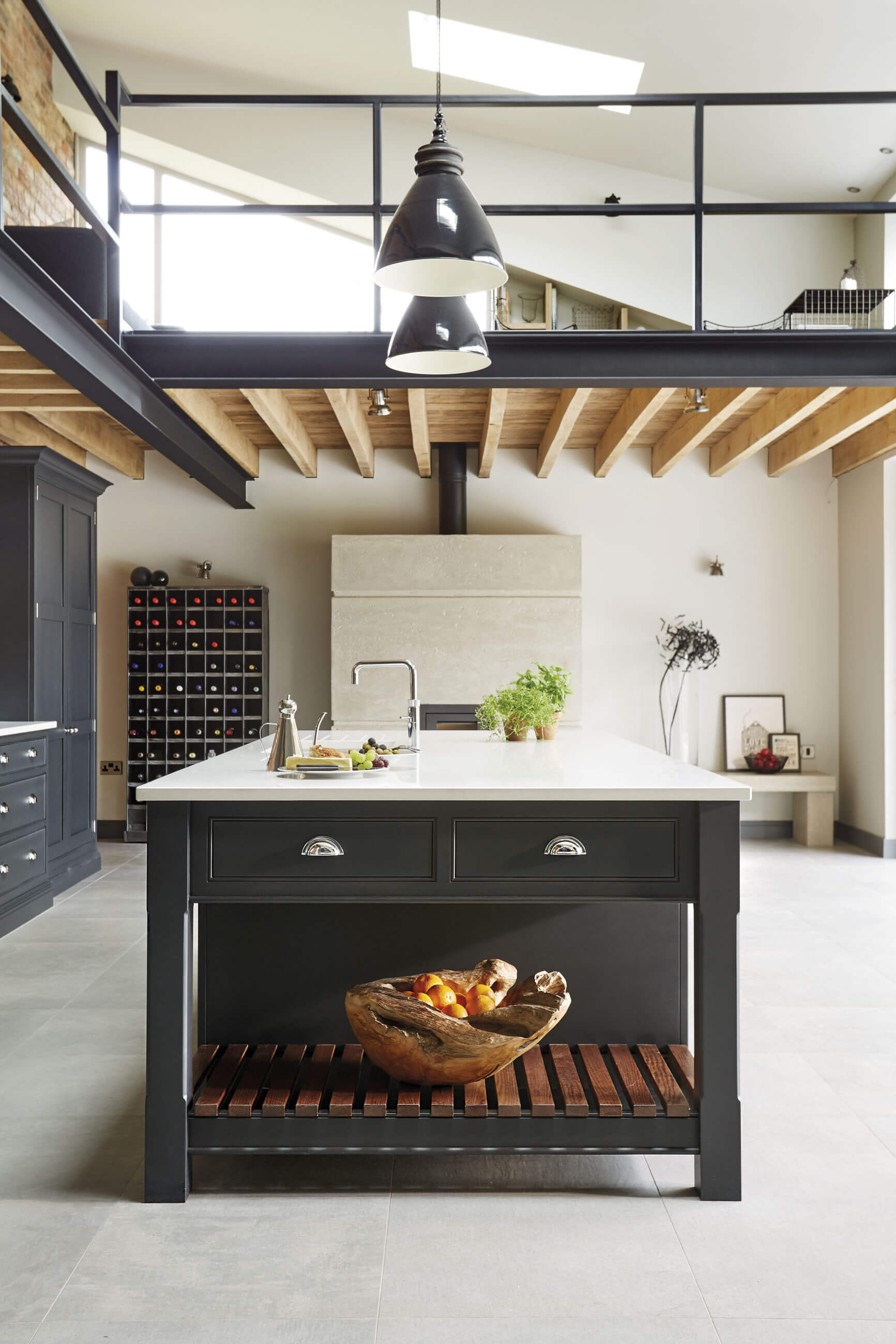 Industrial style kitchen tom howley for Vintage industrial style kitchen