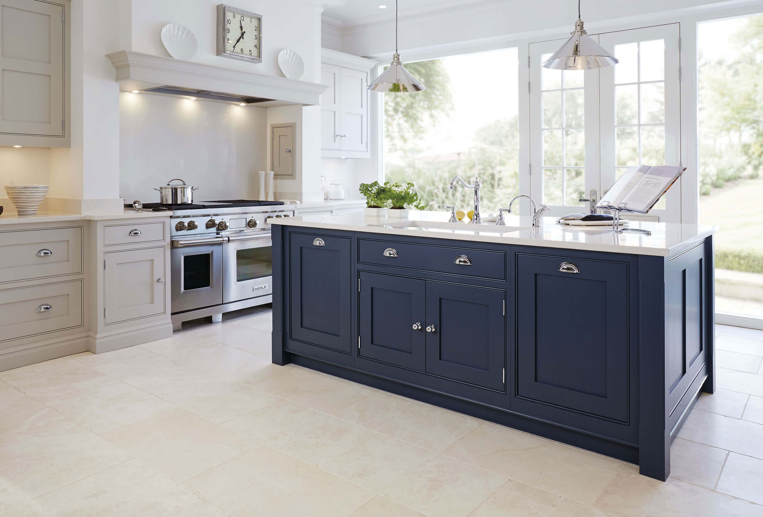Blue painted kitchen tom howley for Dark blue kitchen paint