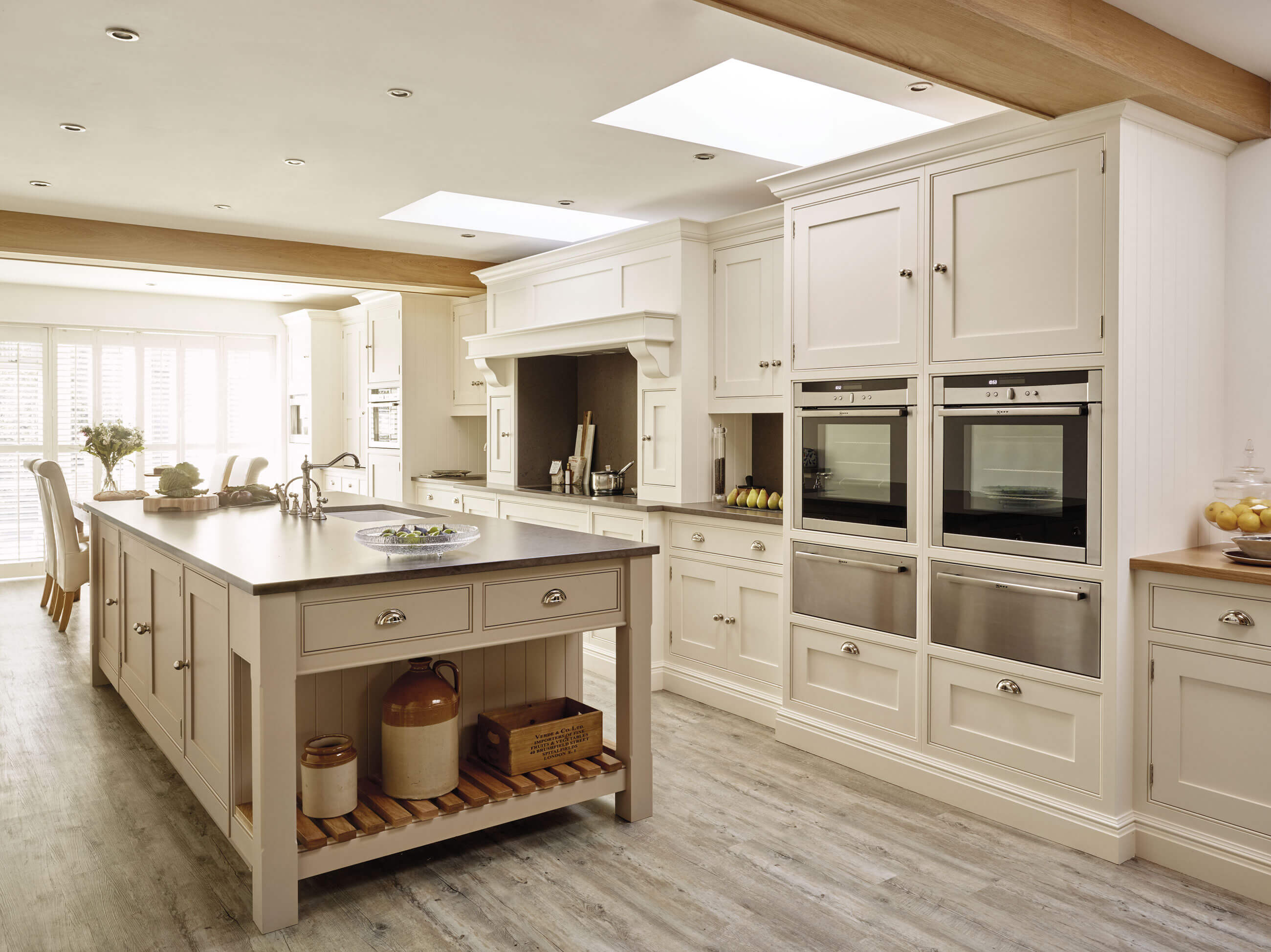 Country kitchen design tom howley - Country style kitchen cabinets design ...