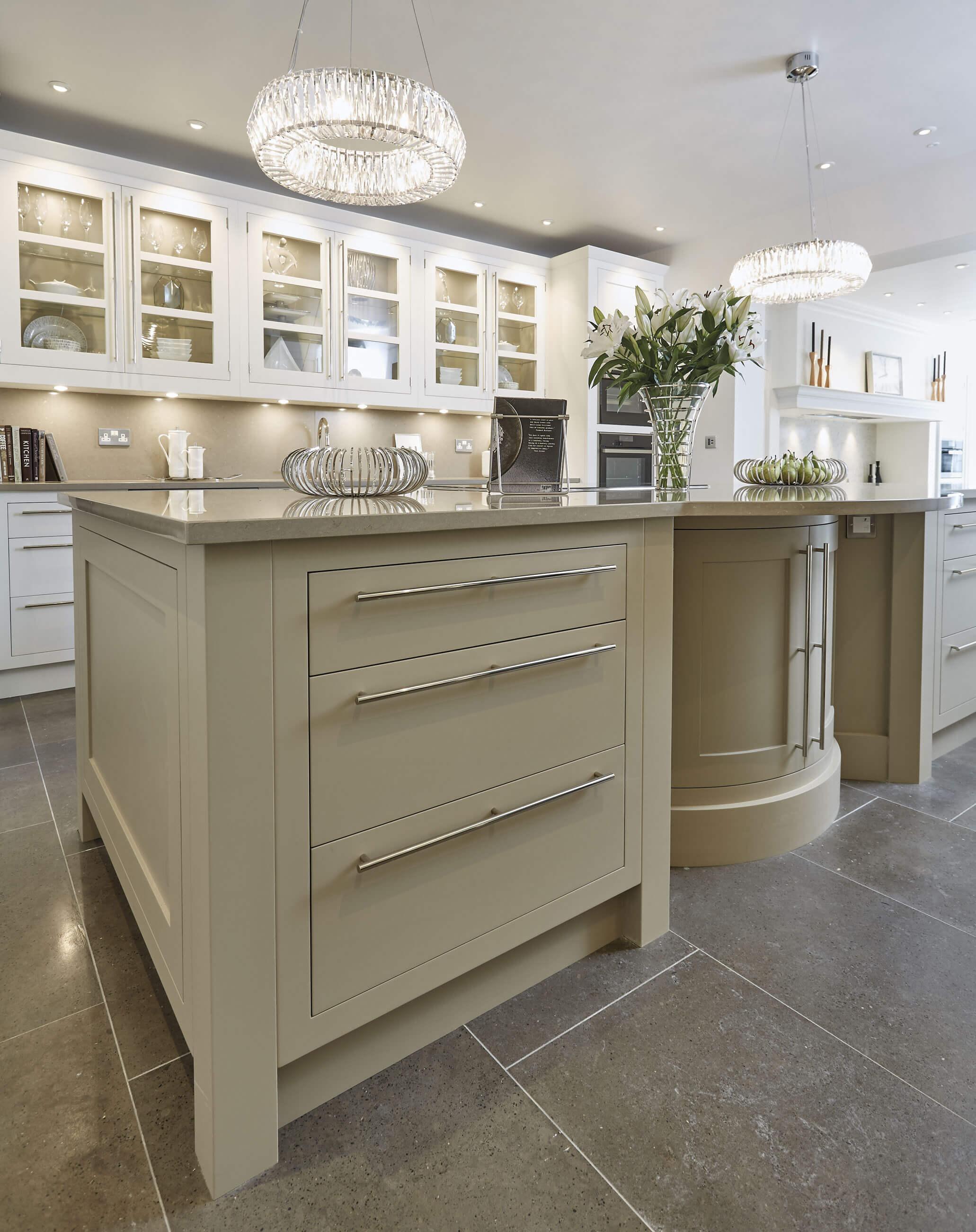 Cream and White Kitchen   Tom Howley