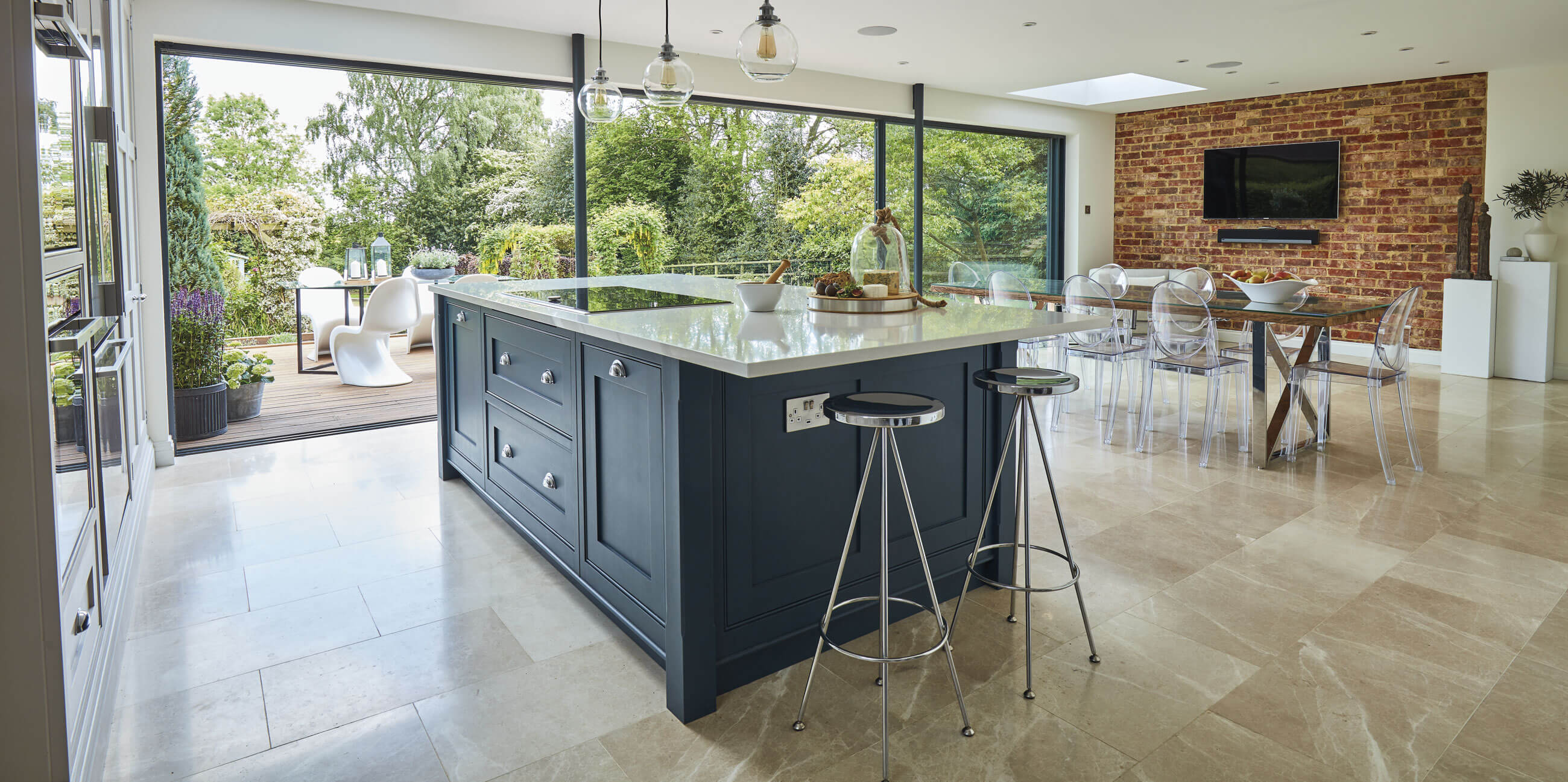 Blue shaker kitchen tom howley for Perfect kitchen harrogate menu