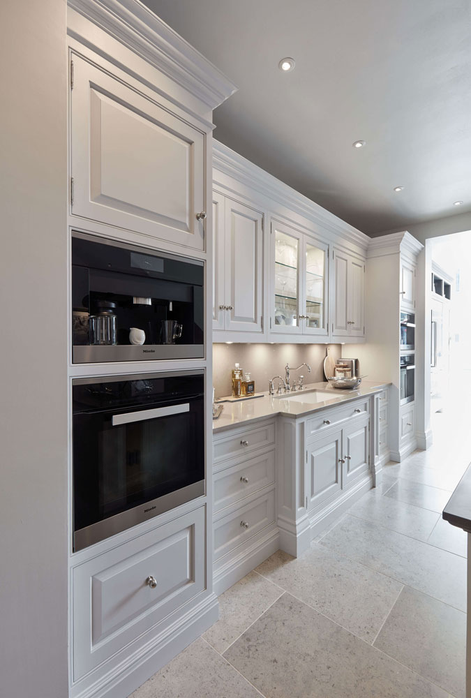 luxurious white kitchen tom howley rh tomhowley co uk
